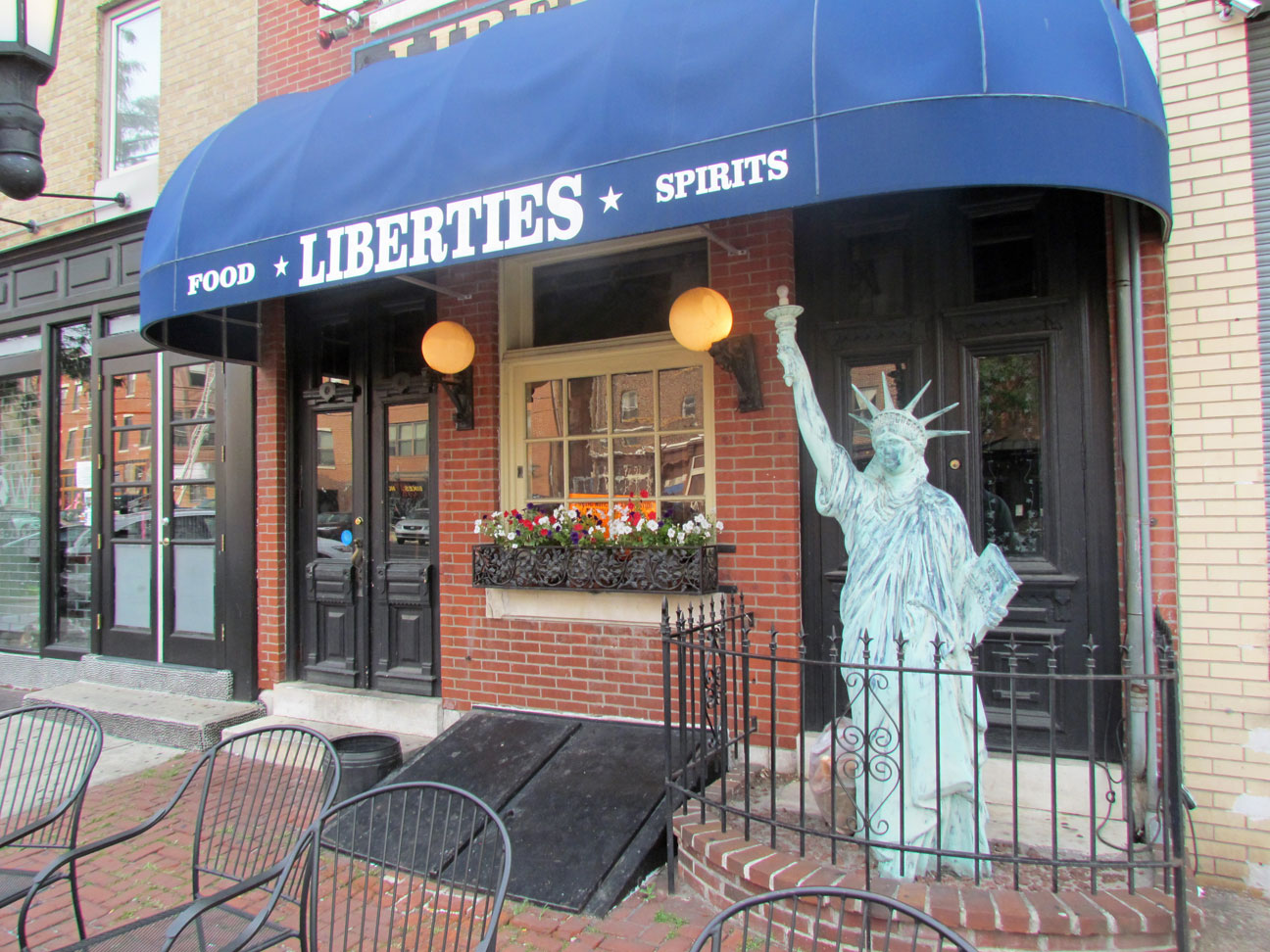 Liberties Bar Restaurant Northern Liberties